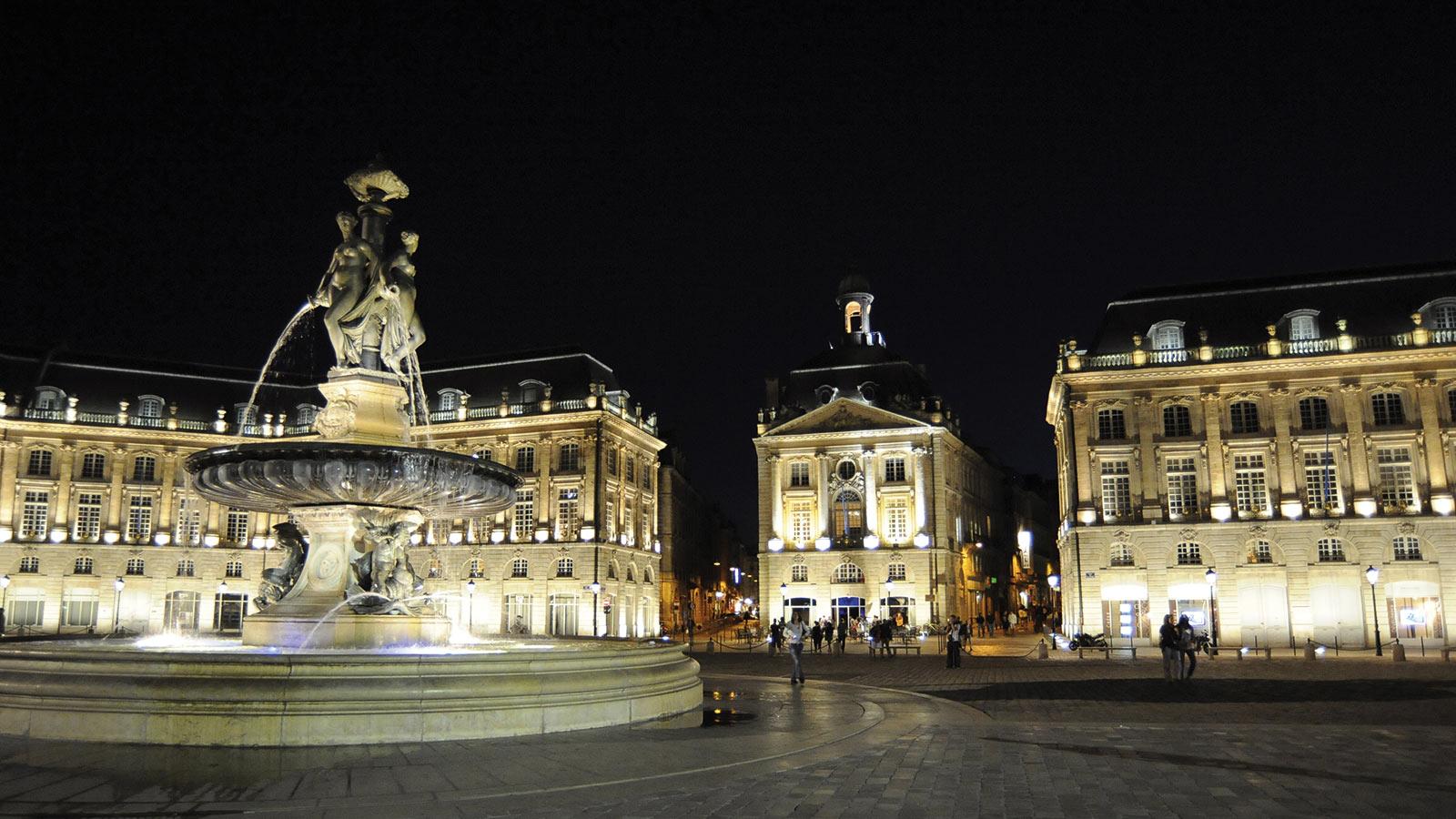 La Place De La Bourse Le Map Bordeaux Local City Guide