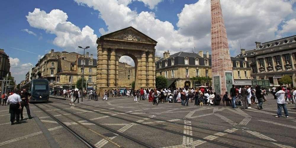 Place de la Victoire  Le Map Bordeaux  Local City Guide English