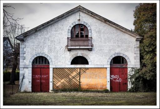 Le bâtiment des écuries