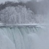 Cataratas do Niagara: inverno versus verão