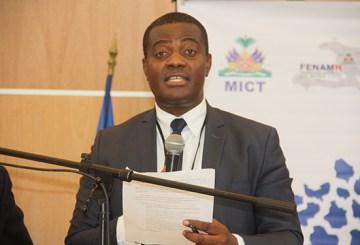 Haïti-Protestation : Le Maire de Carrefour Jude Édouard Pierre condamne le meurtre de Vladimir Fédé 2