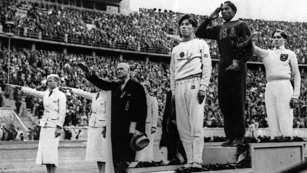 Podium pour Jesse Owens au JO