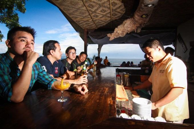 Lemlunay Resort Bar - Beautiful View!
