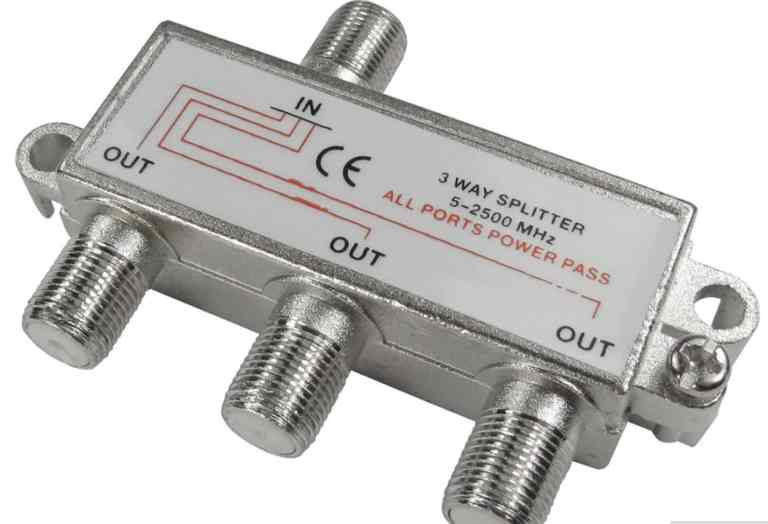 Satellite signal splitter