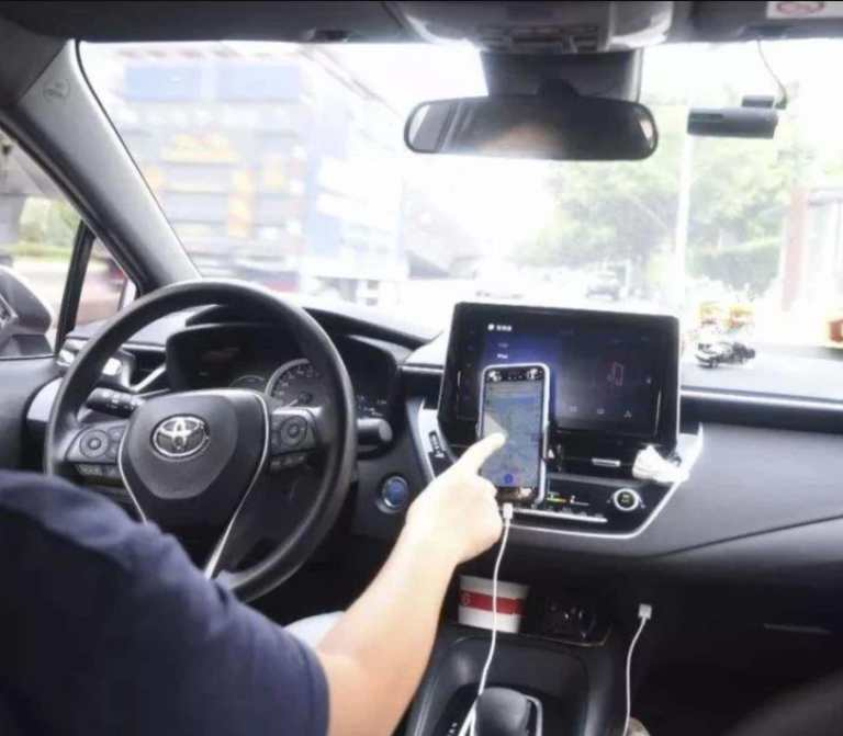Mobile phone navigation that are outlawed while driving