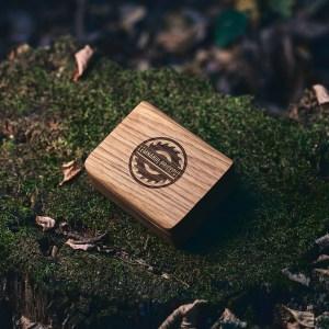 Cutie lemn masiv STEJAR + Stick USB Lemn 3.0