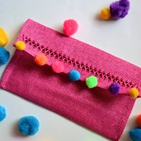 DIY Pom-Pom Straw Clutch