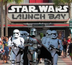 Star-Wars-Launch-Bay-1