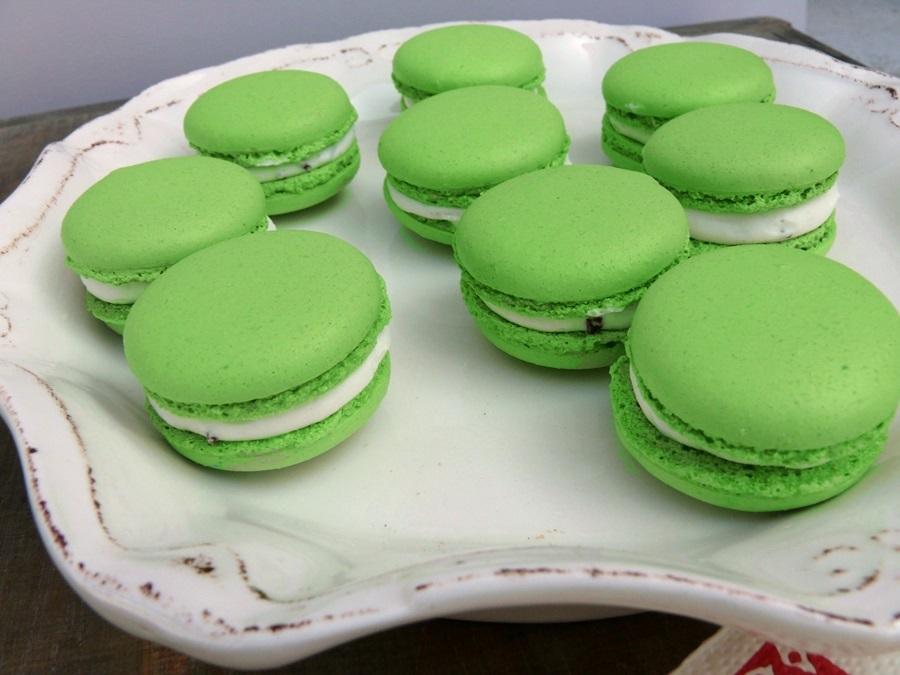 utilisez des colorants en poudre les liquides changent la texture de la pte on peut alors se lancer dans la confection de nos macarons - Colorant En Poudre Pour Macarons