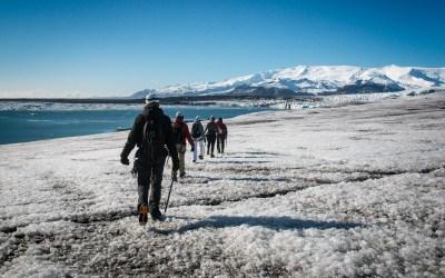 ISLANDE : Marcher sur un glacier et visiter une grotte de glace