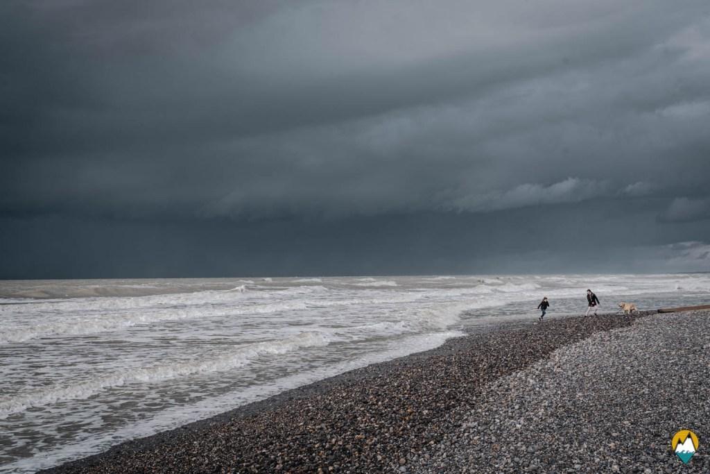 Baie de Somme - plage de Cayeux-sur-Mer - ciel noir