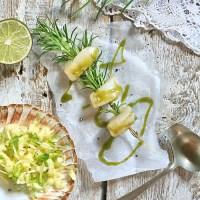 Przegrzebki z grilla  z sosem  miętowo-limonkowym  oraz salsą jabłkową
