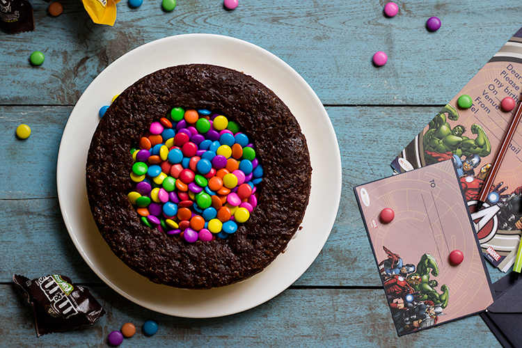 M&M Piñata Cake