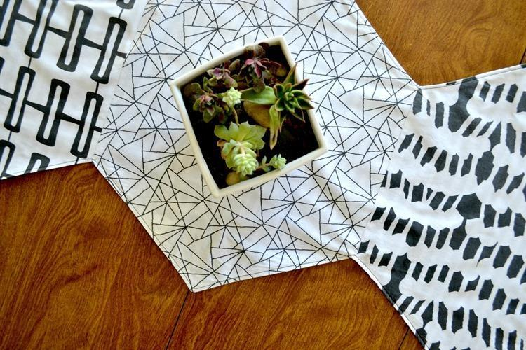 Hexagon Table Runner {using Modern Yardage Fabrics}