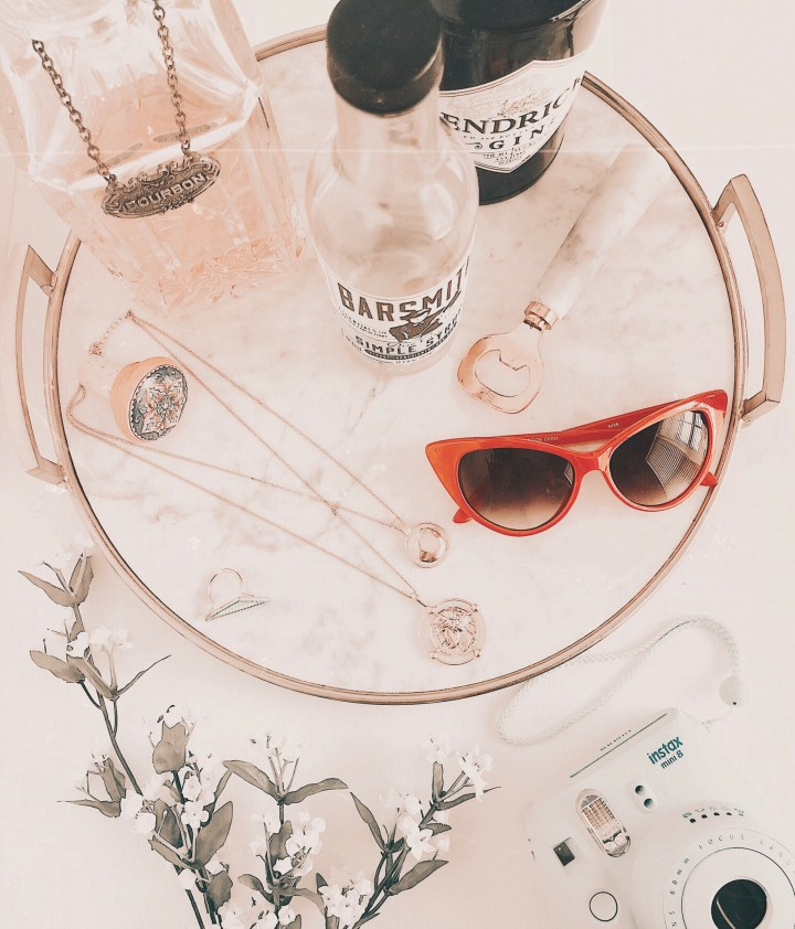 7 Easy and Inexpensive Flatlay Background Ideas