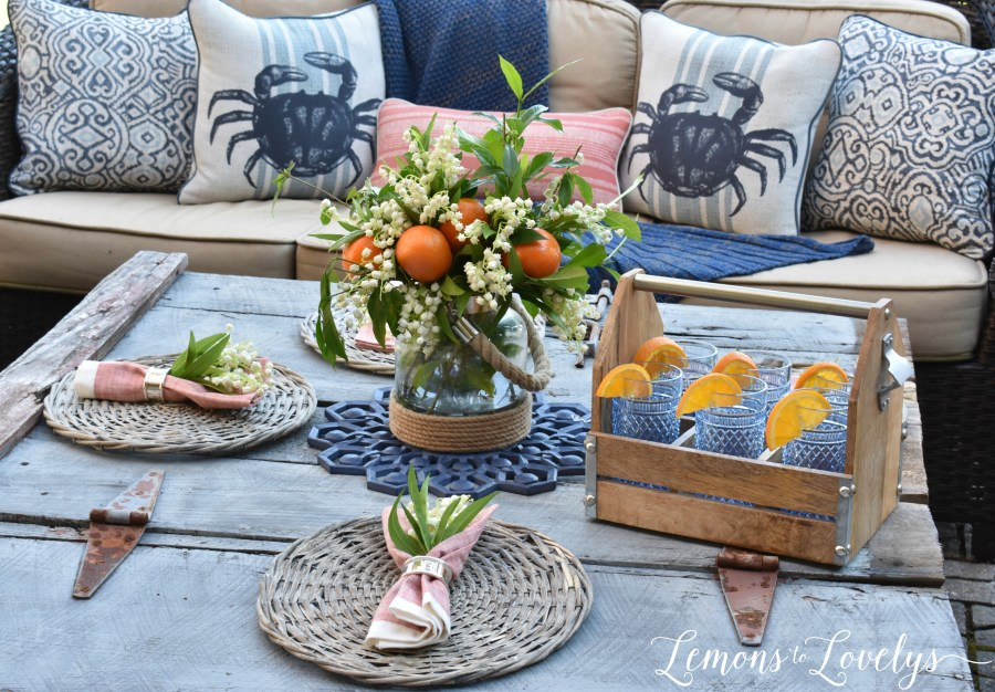 Joyful Summer Home Tour www.lemonstolovelys.com