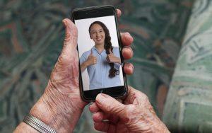 Apprenez à communiquer à distance avec vos proches