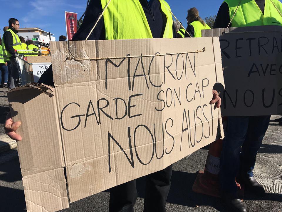 Convergence des luttes. Appel au 5 mai. La Fête à Macron !  - Page 2 46523759_290704901558290_634004732725166080_n
