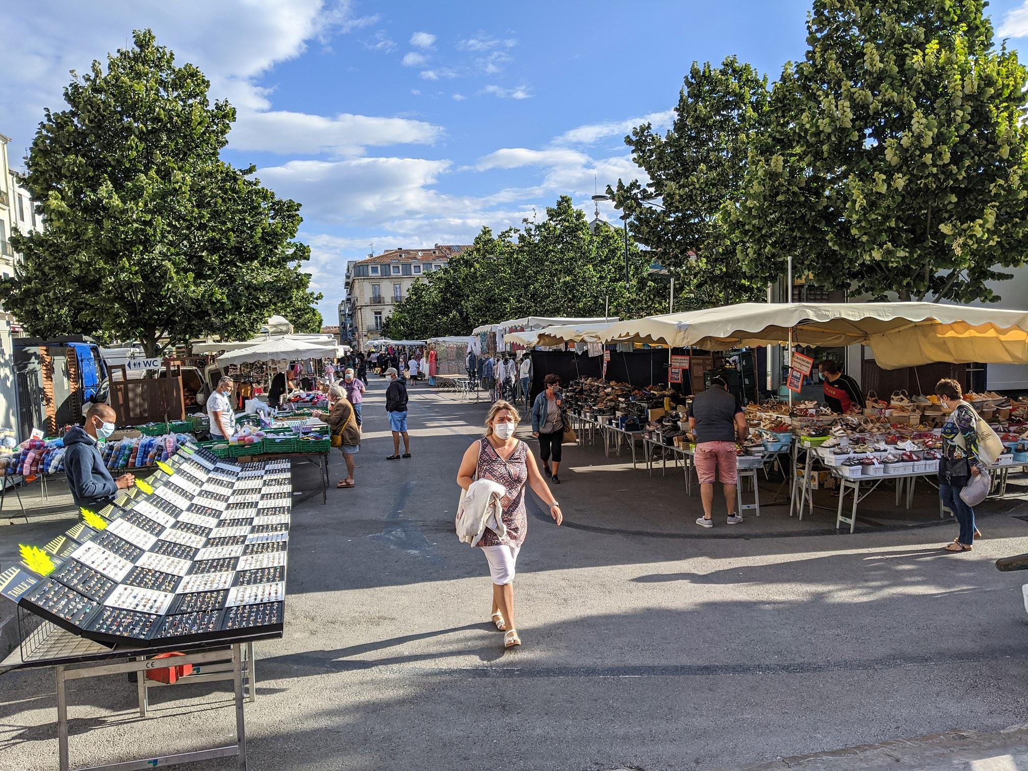 Marché manufacturé du mercredi reprise à Sète