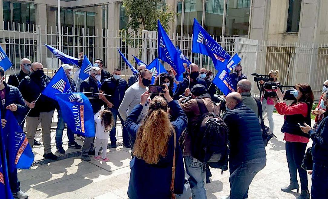Montpellier rassemblement devant le tribunal - Photo (© FB Alliance Police Nationale 34)