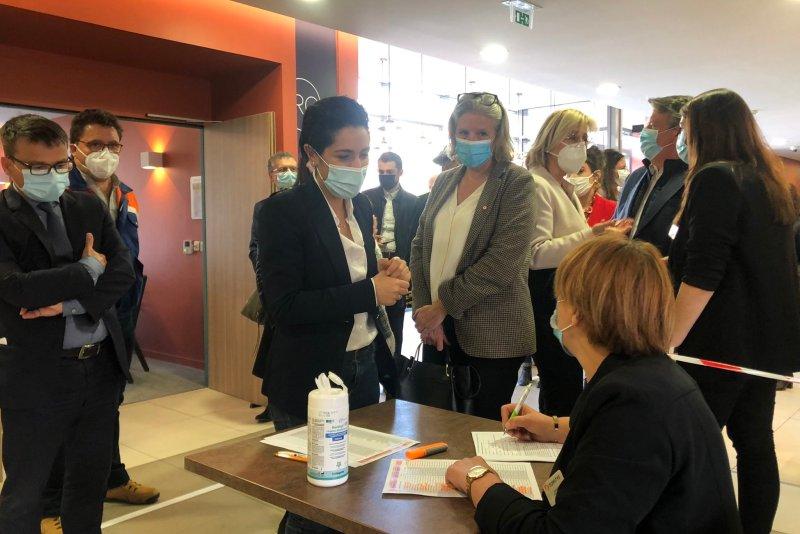 Nimes : Sarah El Haïry, Secrétaire d'État à l'Engagement et à la jeunesse (©CDS)