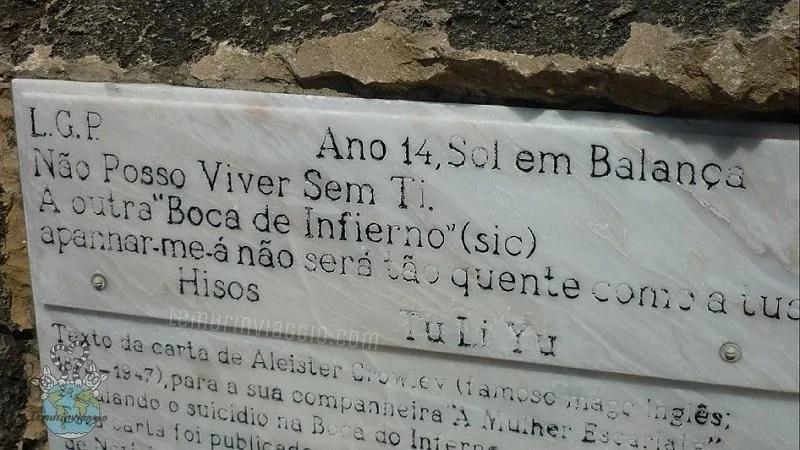 messaggio di Aleister Crowley alla boca do inferno a Cascais Portogallo