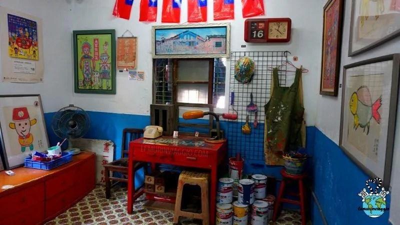 Gli attrezzi e pennelli di nonno arcobaleno di Taiwan