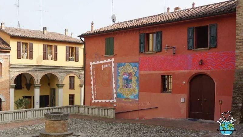 Murales nel borgo di Dozza in Emilia Romagna