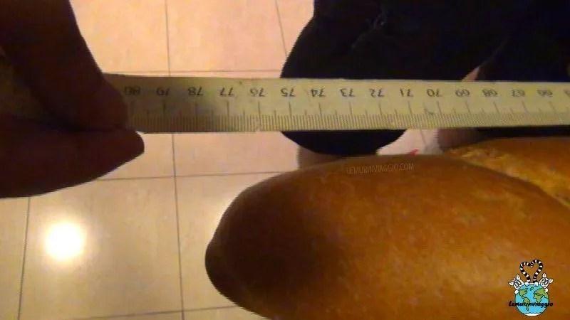 baguette di pane lunga più di 70 centimentri