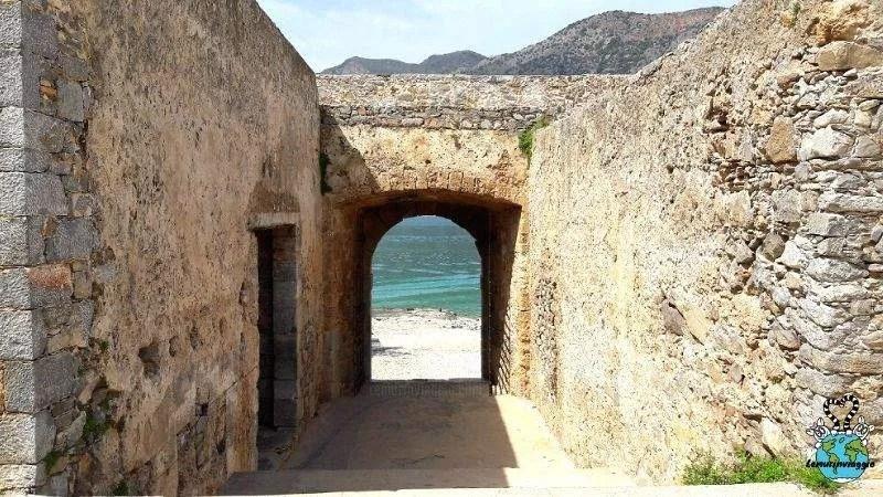 Lebbrosario abbandonato a Creta