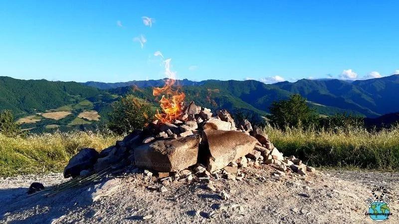 Fontana ardente del Monte Busca di Tredozio in Romagna