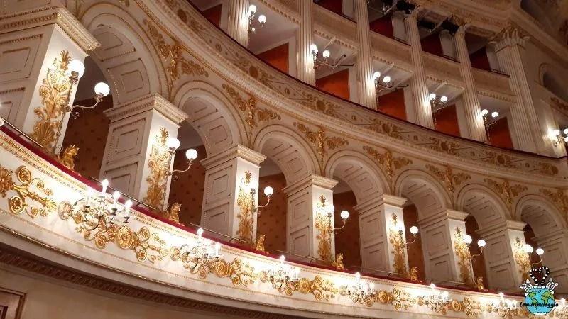 Loggione del teatro concepito da Luigi Poletti