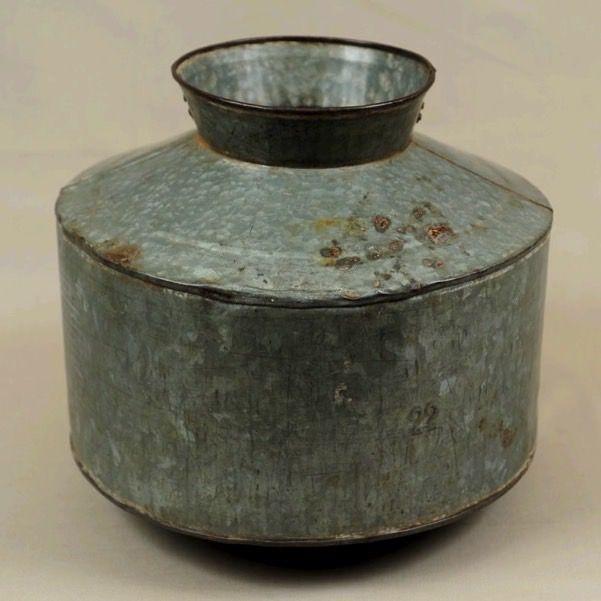 Vaso in zinco stile industrial autentico riconvertito