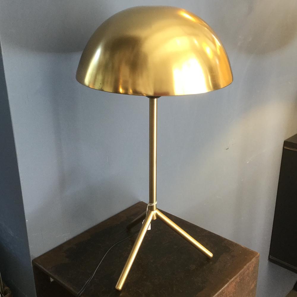 lampada ottone tre piedi
