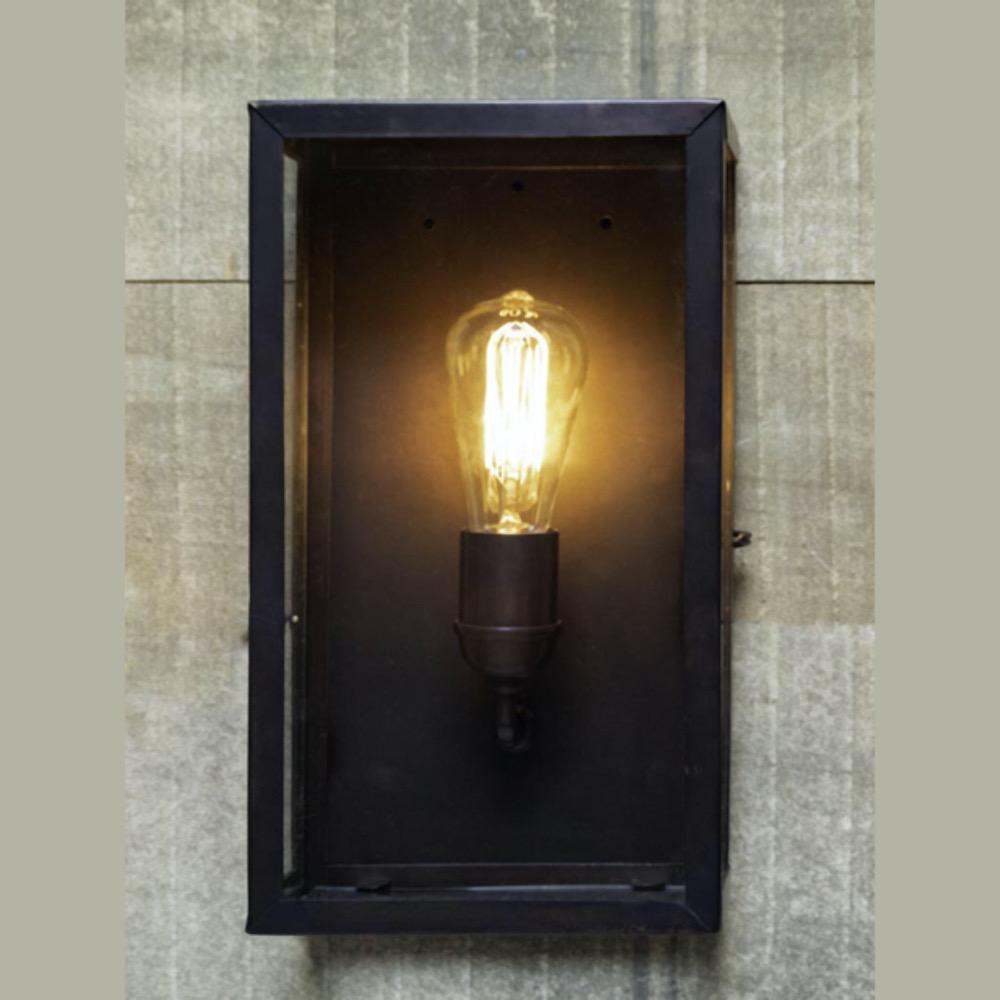 lampada muro ferro