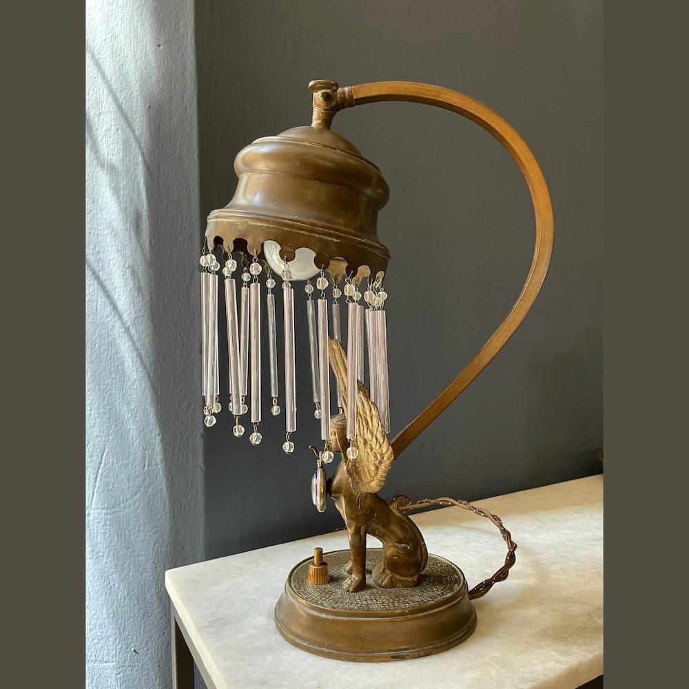 lampada antica Sfinge
