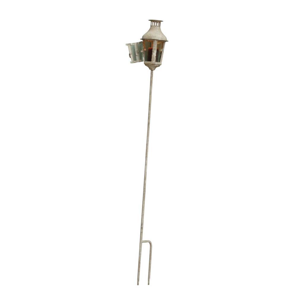 lanterna in metallo da giardino