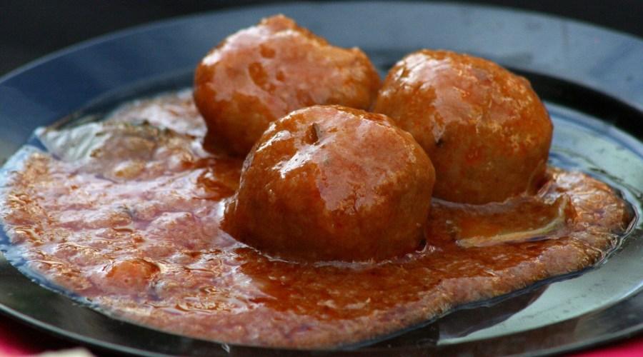 Hackfleischbällchen mit Tomatensauce