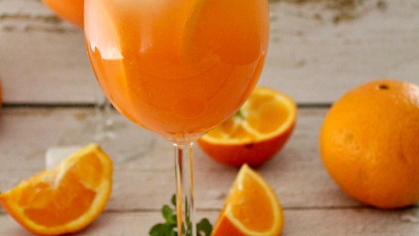 Rhabarber Spritz Cocktail 1