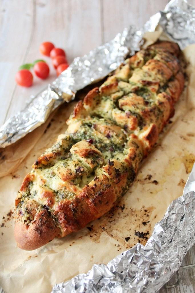 Knoblauch-Kräuter-Brot