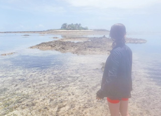 looking for a desert island in siargao
