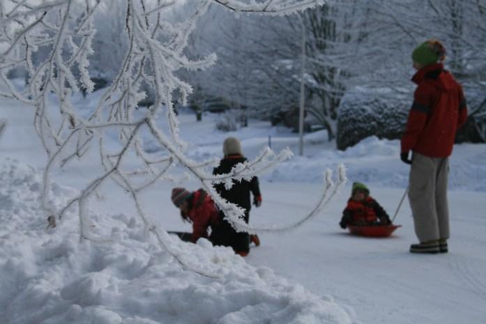 Comment survivre à l'hiver au Québec pour une famille d'expatriés? Je vous délivre ici quelques pistes et idées d'activités pour surmonter le froid avec les enfants.