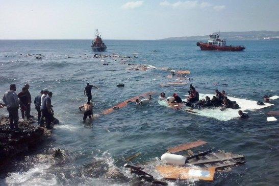 Người nhập cư bất hợp pháp tới Đảo Rhodes, ở Hy Lạp, ngày 20/4/2015. (Ảnh: DPA)