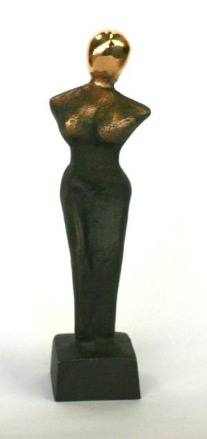 bronzeskulptur_lene_purkaer_stefansen_bronzefigur_kunst_skulpturer_noget_at_nyde