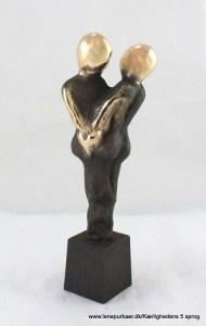 kaerlighedens-5-sprog-anerkendende-ord-lene-purkaer-stefansen-bronzeskulptur-kaerlighed-kunst