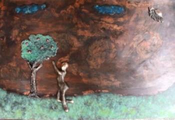 bronzebillede_lene_prukaer_raekke_mod_de_roedeste_aebler