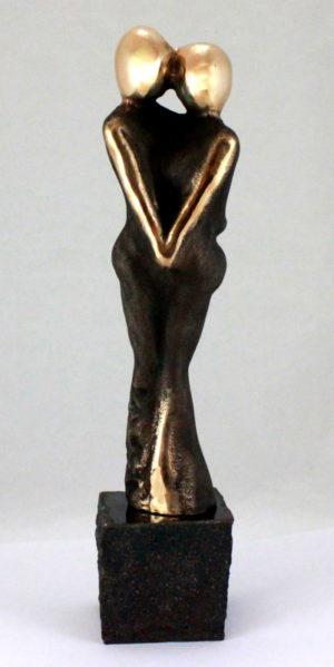 bronzeskulptur_lenepurkaer_kaerlighed_omsorg_naervaer_af_omsorg_skabes_aegte_kaerlighed