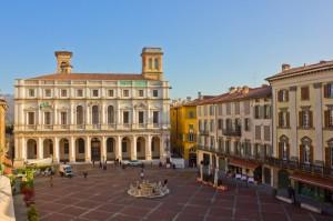 http://www.dreamstime.com/stock-photos-palazzo-del-podesta-bergamo-italy-image22091123