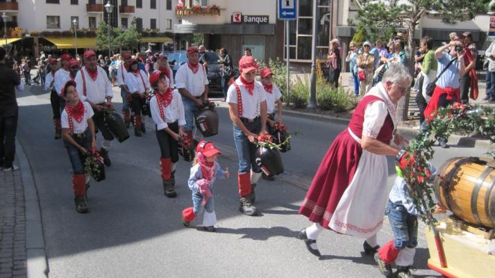 rp_valais-crans-montana-bell-swingers1-713x400.jpg
