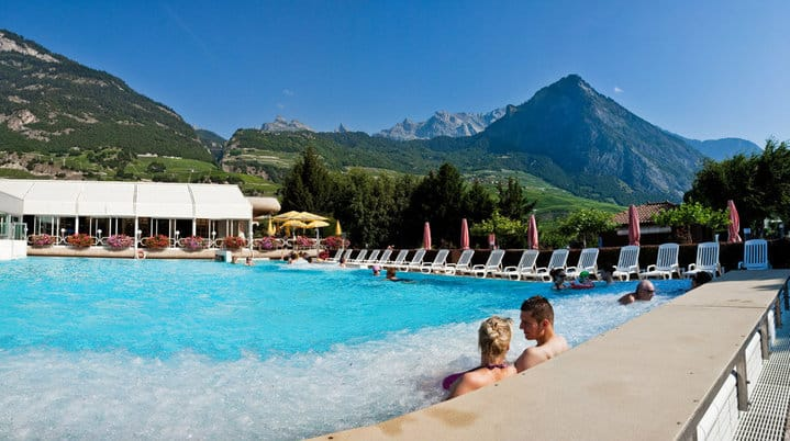 5 best mountain spas in french speaking switzerland for Hotel des bains saillon suisse
